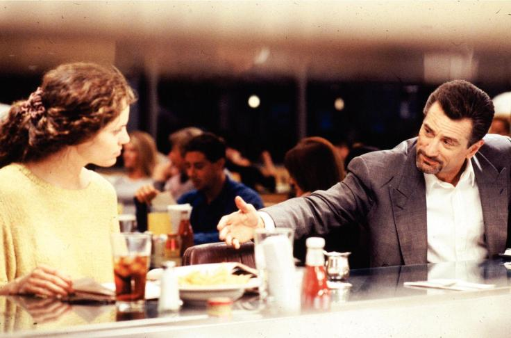 robert-de-niro-and-amy-brenneman-in-heat-(1995)